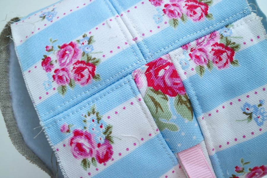 square zip pouch-16