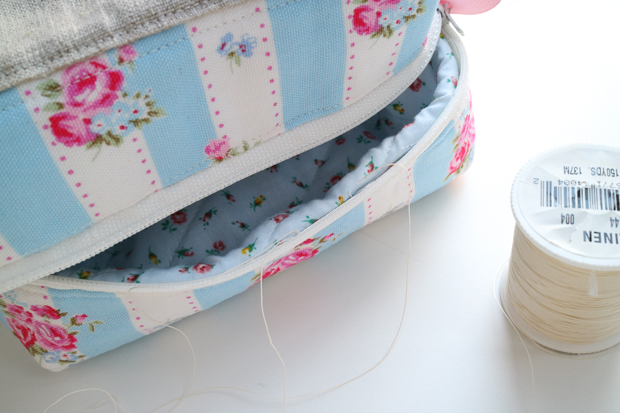 square zip pouch-20