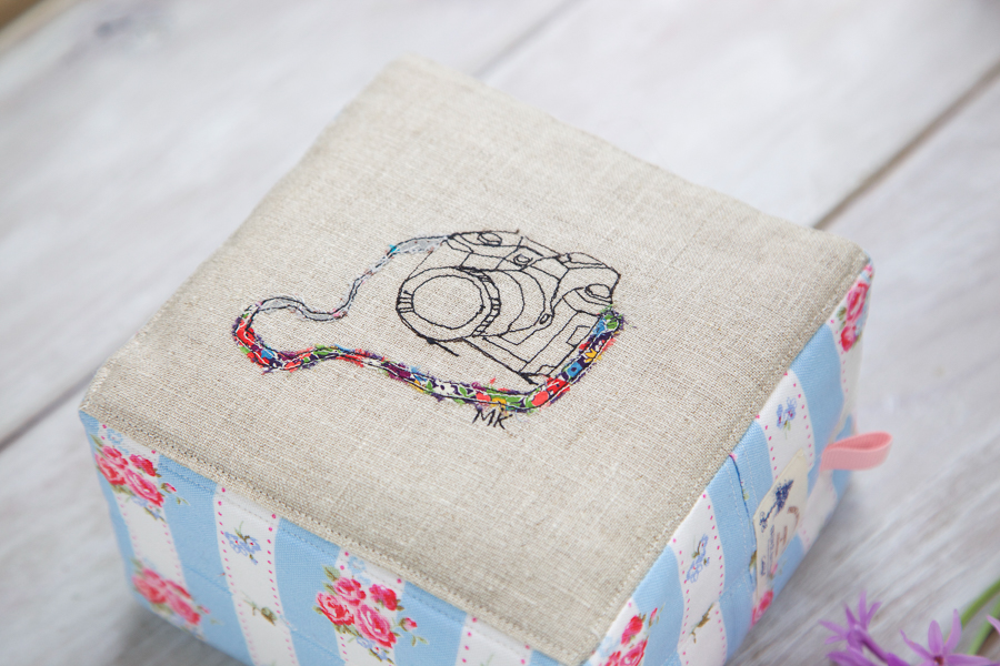 square zip pouch-7