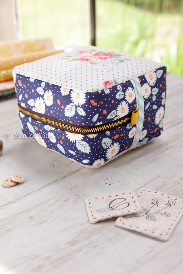 block pouch-5